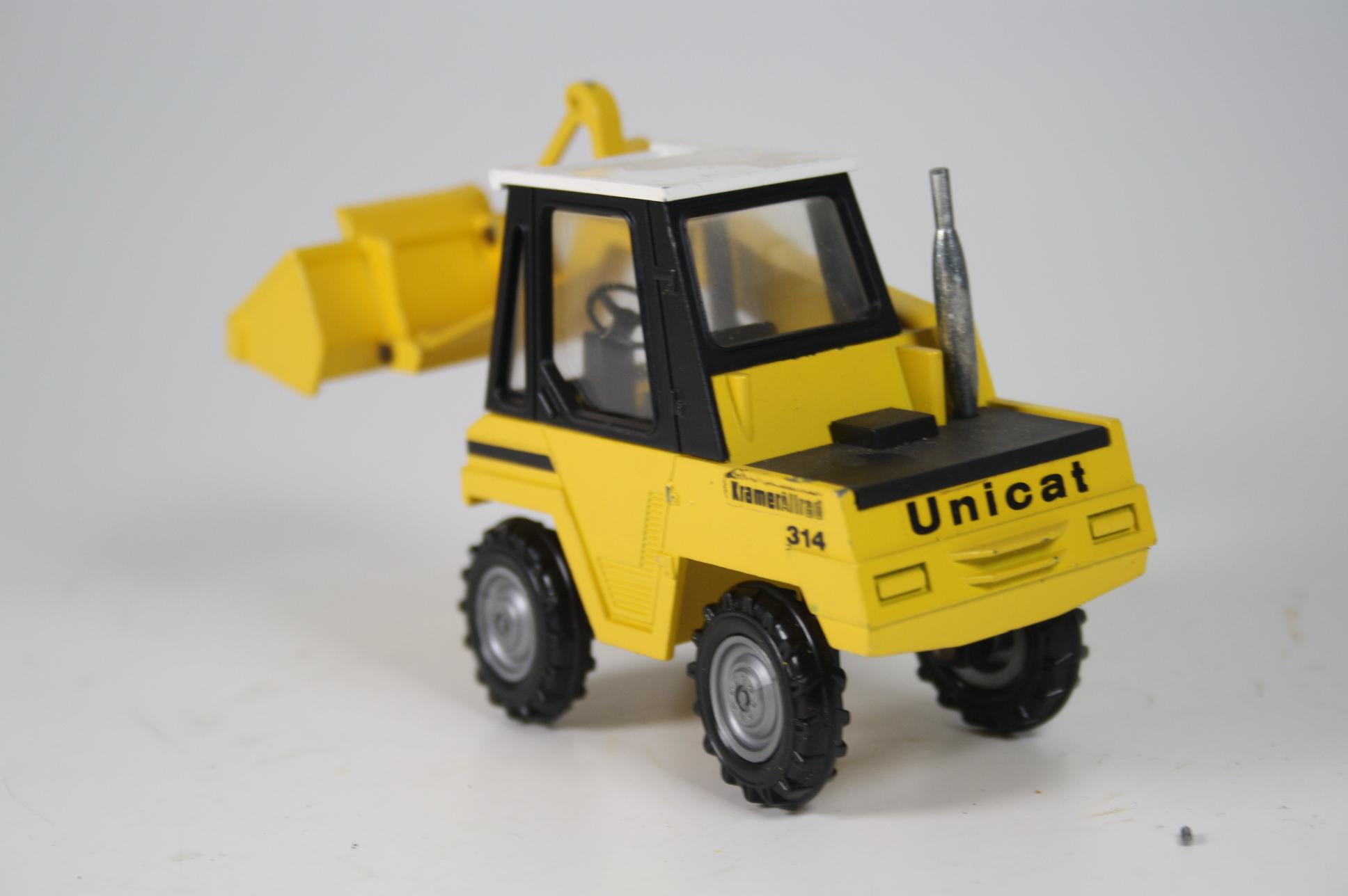 NZG No. 291 Kramer Allrad Unicat 314 Bagger 150 (5573)